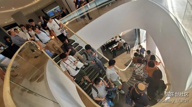 三星新形象旗舰店上海试营业  一起来看看吧!关注有礼喔!