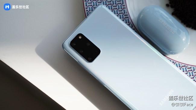 这是今年最流行的配色——浮氧蓝