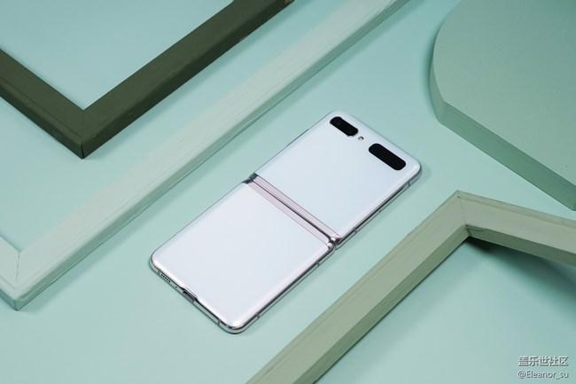空灵高雅, 颜值爆表! 三星Galaxy Z Flip 5G秘境白美图赏