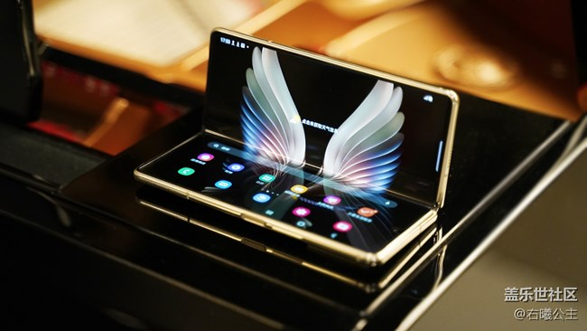 """三星W21 5G:匠""""心""""初""""心"""" 用""""心""""打造的一款精品"""