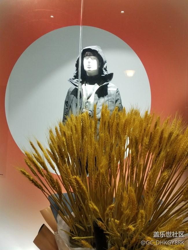 【圣诞狂欢】银泰的橱窗
