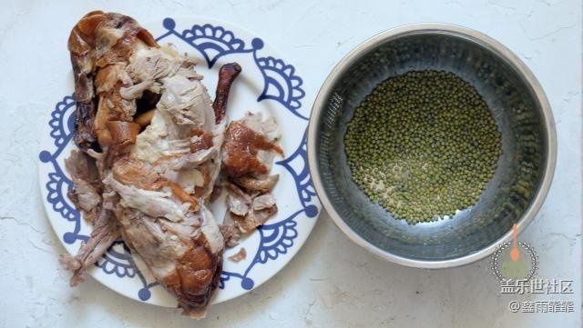 吃烤鸭剩下的鸭架最适合做汤,只需加入这种料,口感味道独特